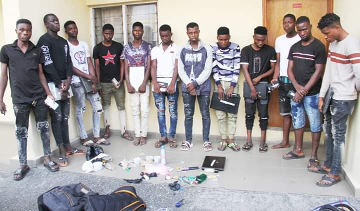 Busted - EFCC Arrests 12 Suspected Internet Fraudsters In A Yahoo Yahoo School in Lagos (photos)