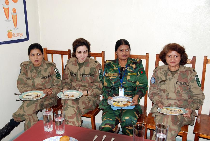 Pak Army Lady Pics: Liberian Civil War (pictures Of The Peace Keepers