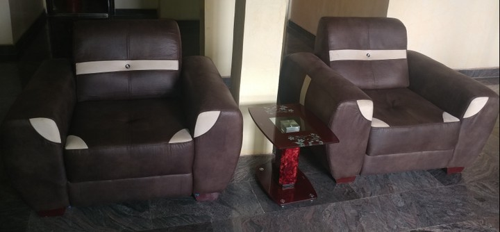 Pay N60k For Good As New N120k Leather Couch Set