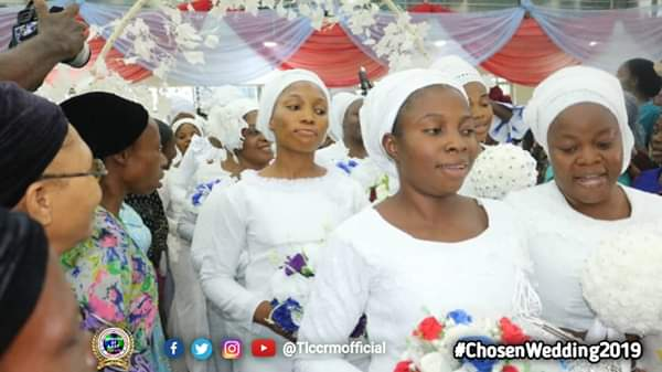 Lord's Chosen Members Wed Without Makeup In Lagos (See Photos) 4