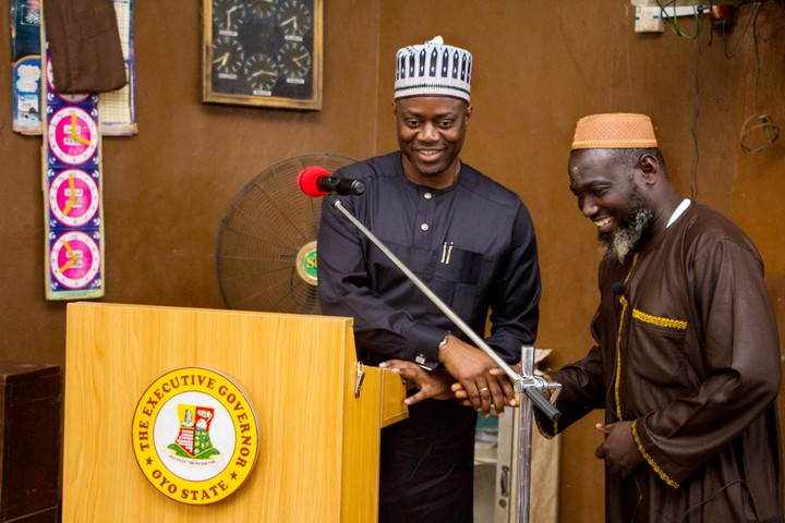 Governor Makinde Visits Mosque To Inform Worshippers Of Demolition Plans (Photo)