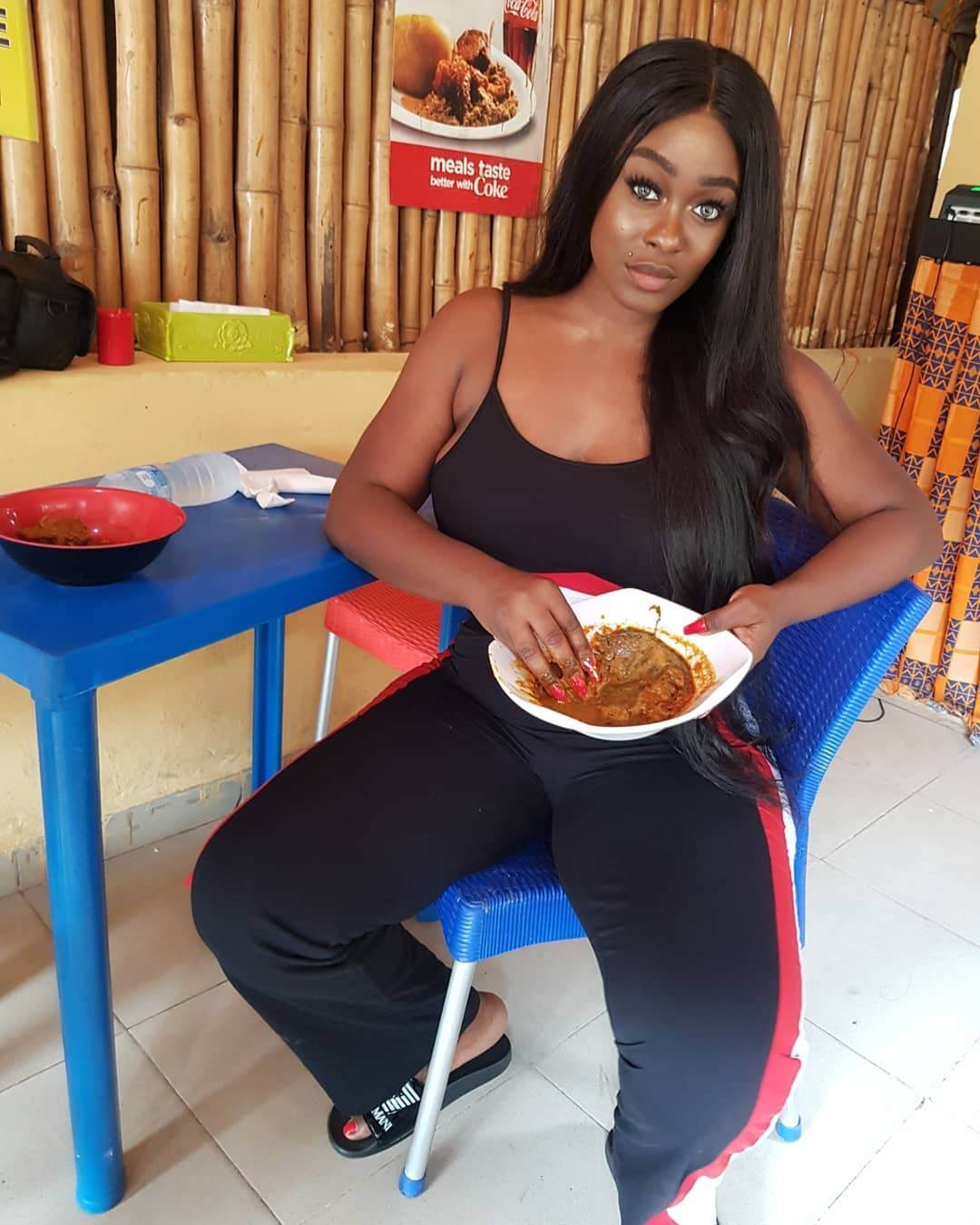 BBNaija's Uriel Blasted For Using Long Nails To Eat Amala. She Responds