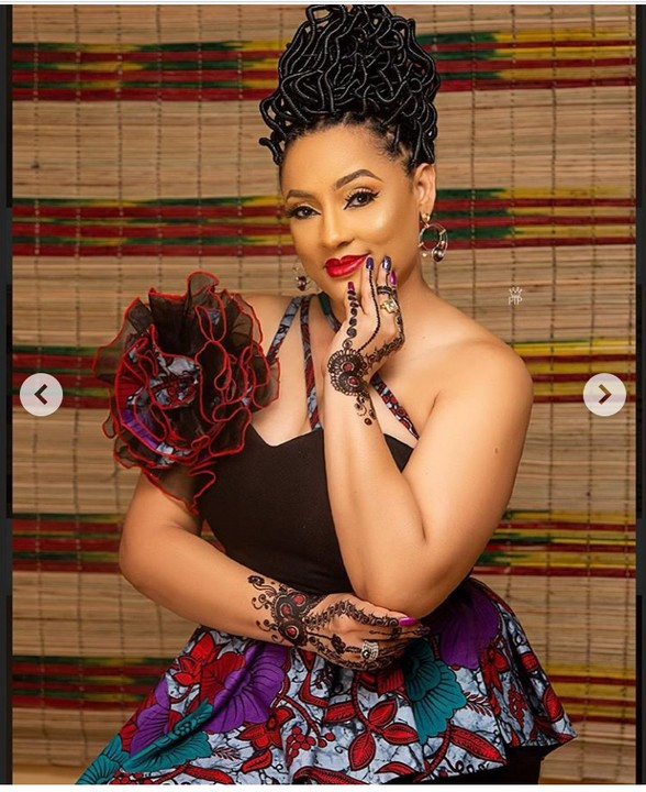 Actress Lilian Bach Celebrates Her 49th Birthday With Stunning Photos 5