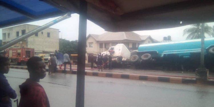 Breaking: Tanker loaded With Fuel Falls In Awka (Photos)