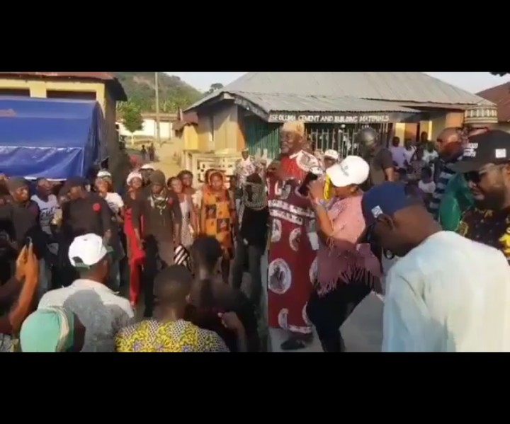 Dino Melaye Campaigns With 'Gbe Body E' moves and slogan