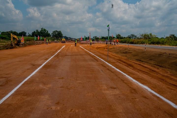 Fashola Says Abuja-Algiers Road To Be Completed In 3yrs