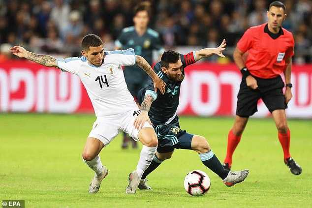 Lionel Messi Dribbles Past Five Players In Argentina 2-2 Uruguay Draw (Photos)