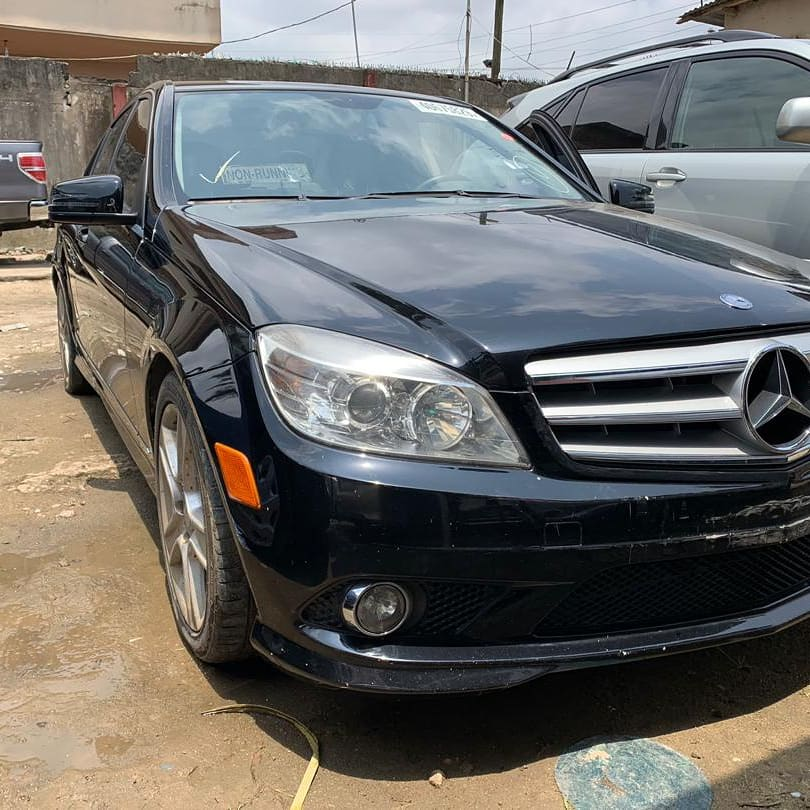 Tokunbo 2010 Mercedes Benz C300 Available At 3.350m