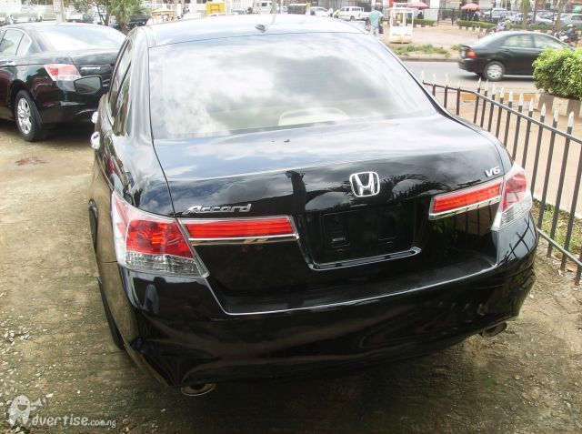 Automatic Braking System (ABS) CD/AM/FM Stereo, Very Clean Interior U0026  Exterior Black Color, PRICE: 800,000. Re: Honda Accord 2011 ...