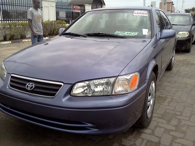 2001 toyota camry le affordable and fuel efficient. Black Bedroom Furniture Sets. Home Design Ideas