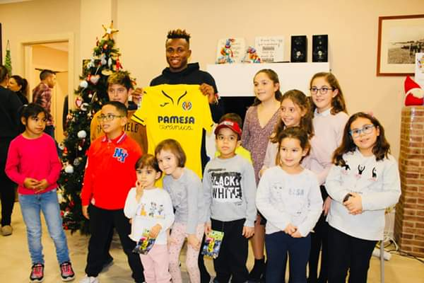 Samuel Chukwueze Visit Kids At Ronald Charity,give Them Gifts