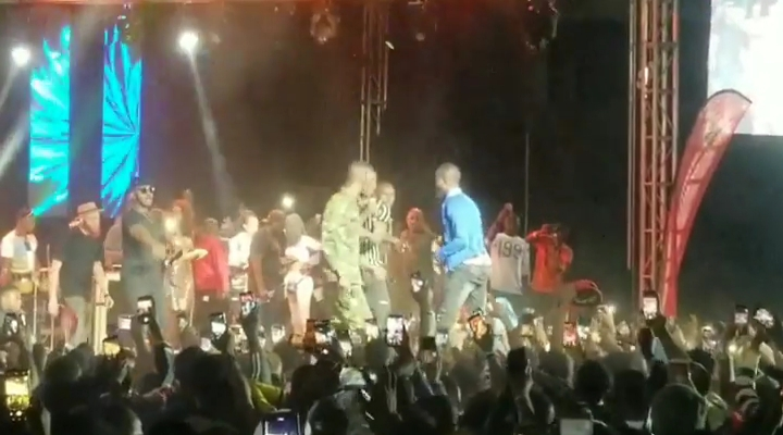 Naira Marley Performs In Anambra, Excites Crowd (Video) 6