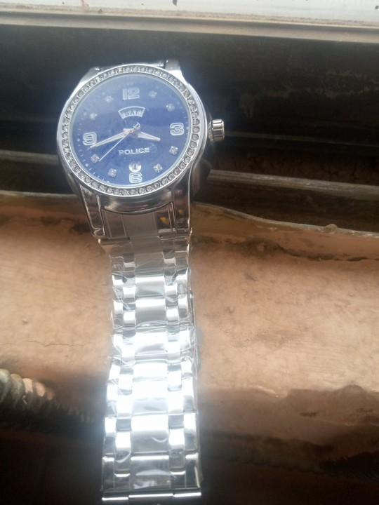 Lady Buys 5k Wristwatch For Boyfriend As Birthday Gift, Laments As He Rejects It 3