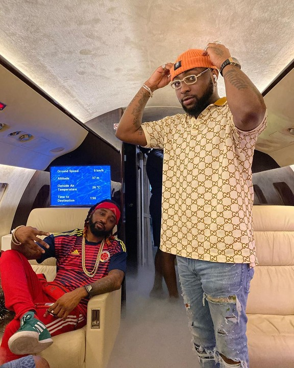Too Much Money as Davido Shows Off The Money He Made After A Show (Video) 2