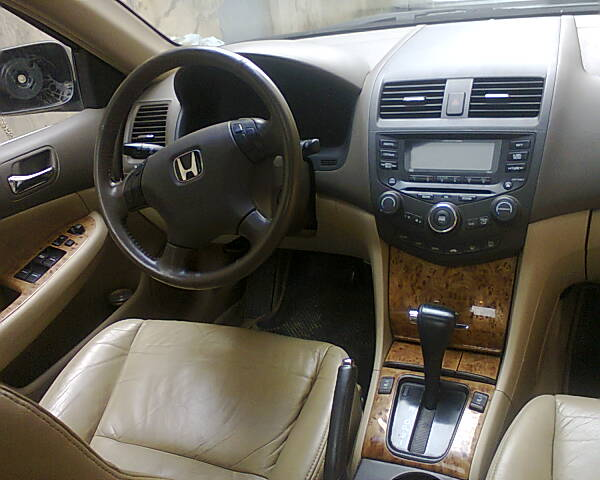 Re: 2004 Honda Accord Ex,fully Loaded,best PriCe Ever By Lomaxbien(m):  8:04pm On May 11, 2013