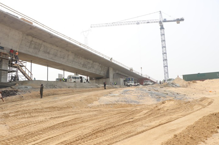 Fashola Inspects 2nd Niger Bridge Project