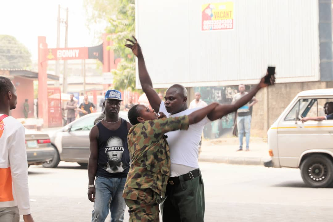 Soldiers Beat Up Lagos State Government Clean-Up Committee Officials