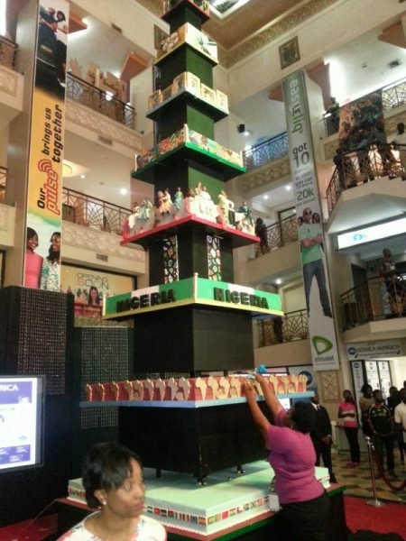 Tallest Cake In Africa Made By A Nigerian Celebrities