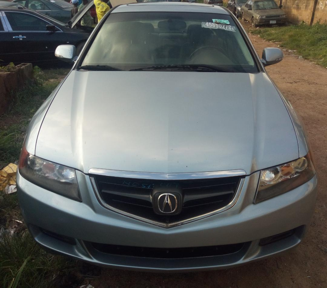DISTRESS SALE! Tokunbo 2005 Acura TSX For Sale.