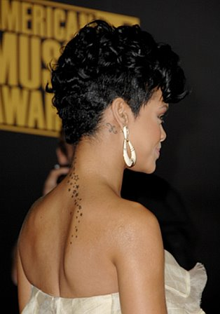 rihanna short hair back. Rihanna.side view .jpg (20.52