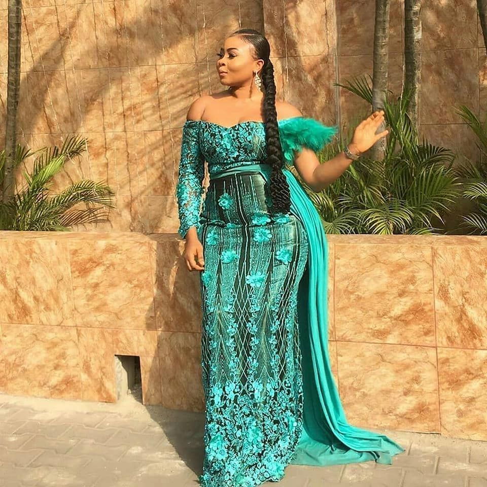 latest lace gowns 2020,