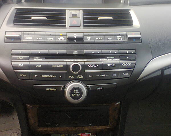 Re: 2010. HONDA Accord,dvd,reverse Camera,leather Interior By Lomaxbien(m):  9:14pm On Jun 18, 2013