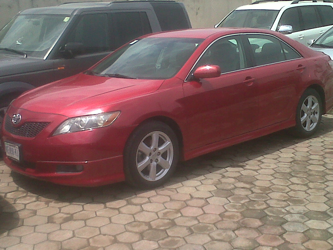 2006 model toyota camry @ 1.950m,call for details 08037207424