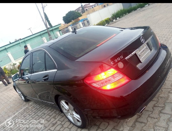 6months registered 2010 c300 tokunbo standard for sale