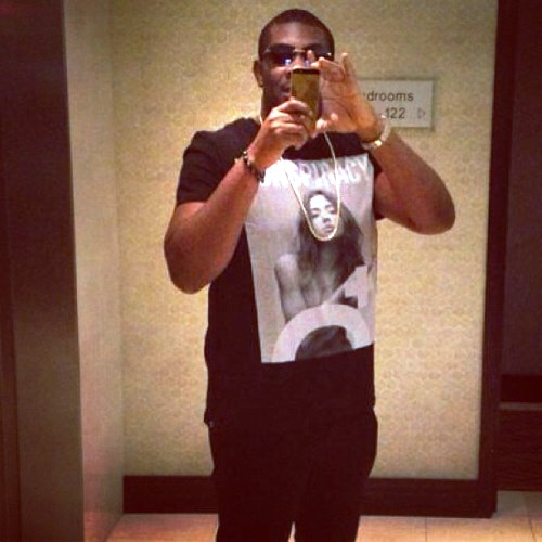 Don-Jazzy Flaunts 18ct Gold-Studded iPhone Designed By