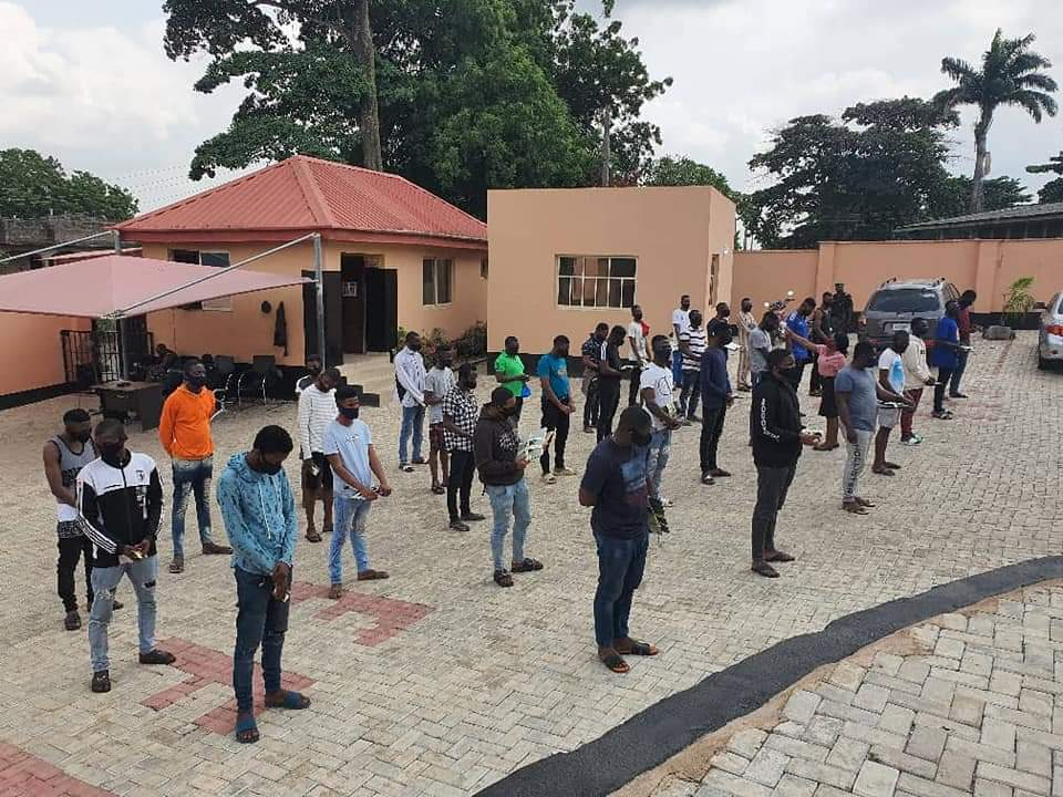 EFCC Arrests 3 Corps Members, 19 Undergraduates, 10 Others for Alleged Internet Fraud