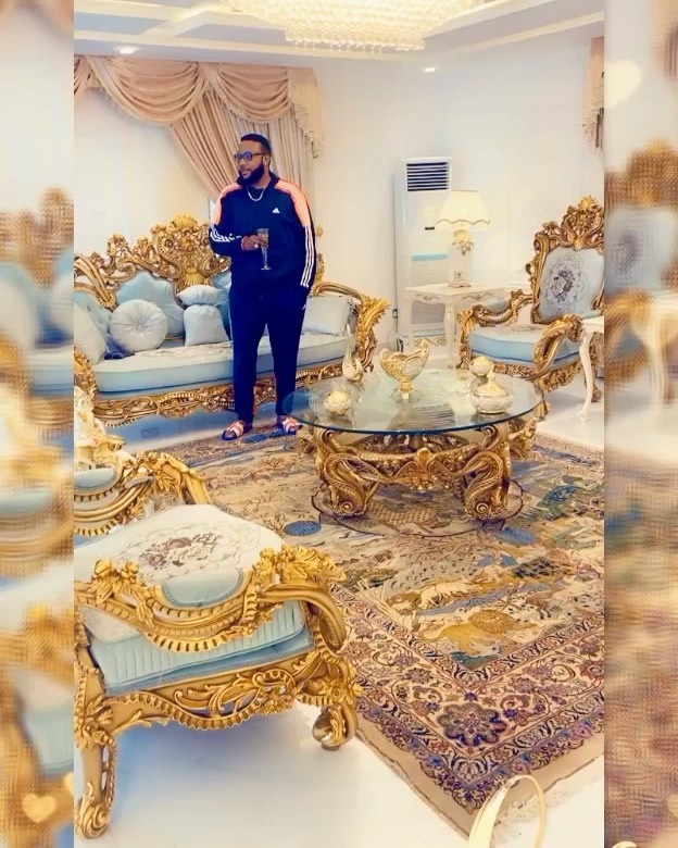 E-Money Shows-off Beautiful Interiors Of His House (Video ...