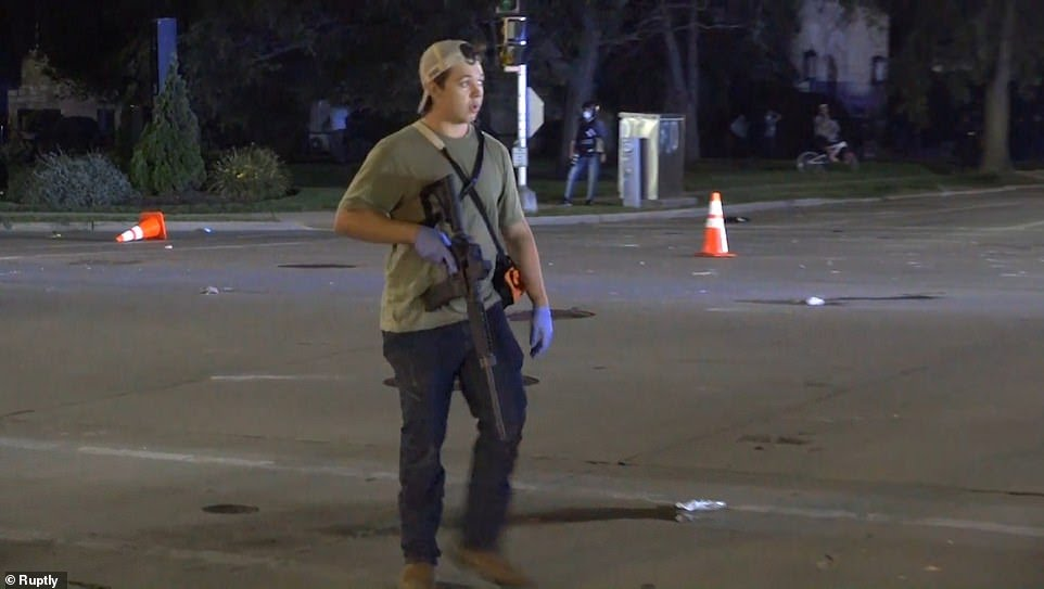 Armed With  Years 17 U.S. Protest: Shot AR15 Old Boy