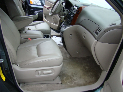 Superior Re: 2005 Toyota Sienna Xle Ltd,40995miles,20500usd Firm Buyer Clears By  Jesarmy(f): 7:54pm On Jan 17, 2009