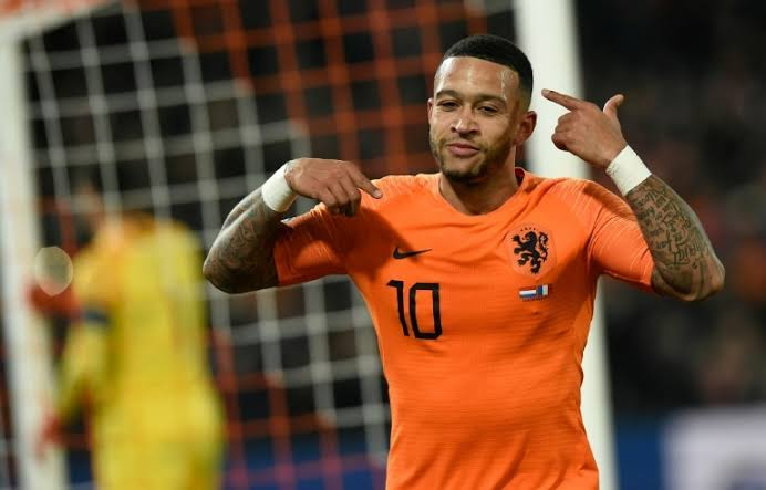 What? Memphis Depay? Singer? This Guy Is Multi Talented 5