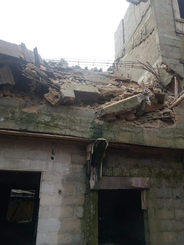Building Under Construction Collapses In Aba, Many Trapped (Disturbing Photos) 2