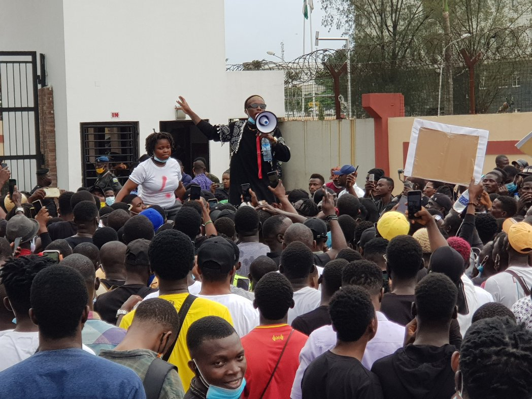 Video Of Nigerian singer Small Doctor Leads Massive EndSARS Protest From Agege To Alausa Ikeja