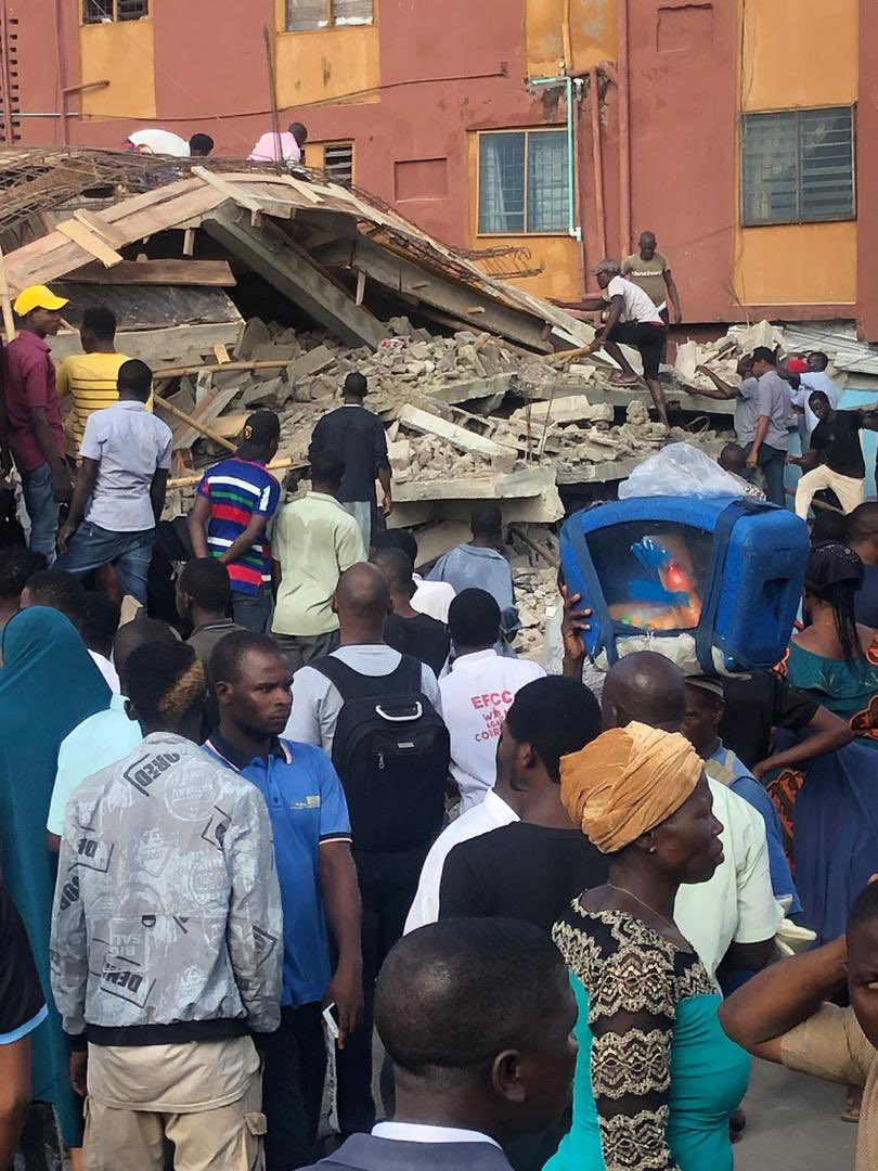 4 Dead As Building Collapses In Obalende, Lagos 1