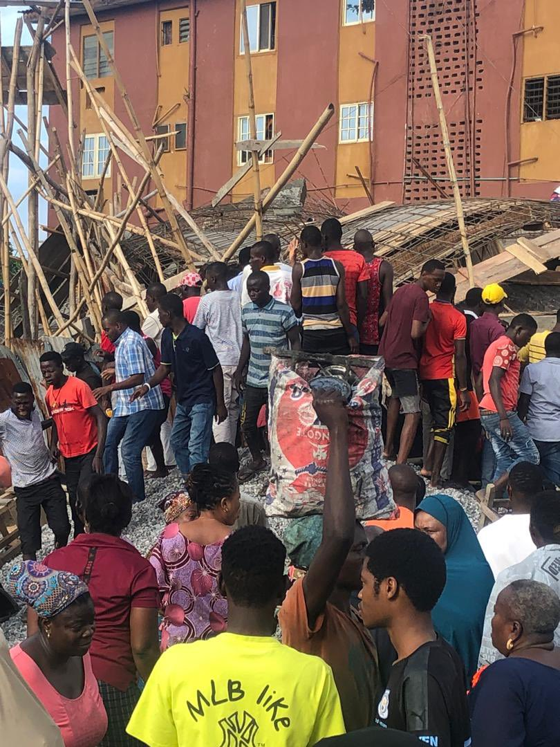 4 Dead As Building Collapses In Obalende, Lagos 2