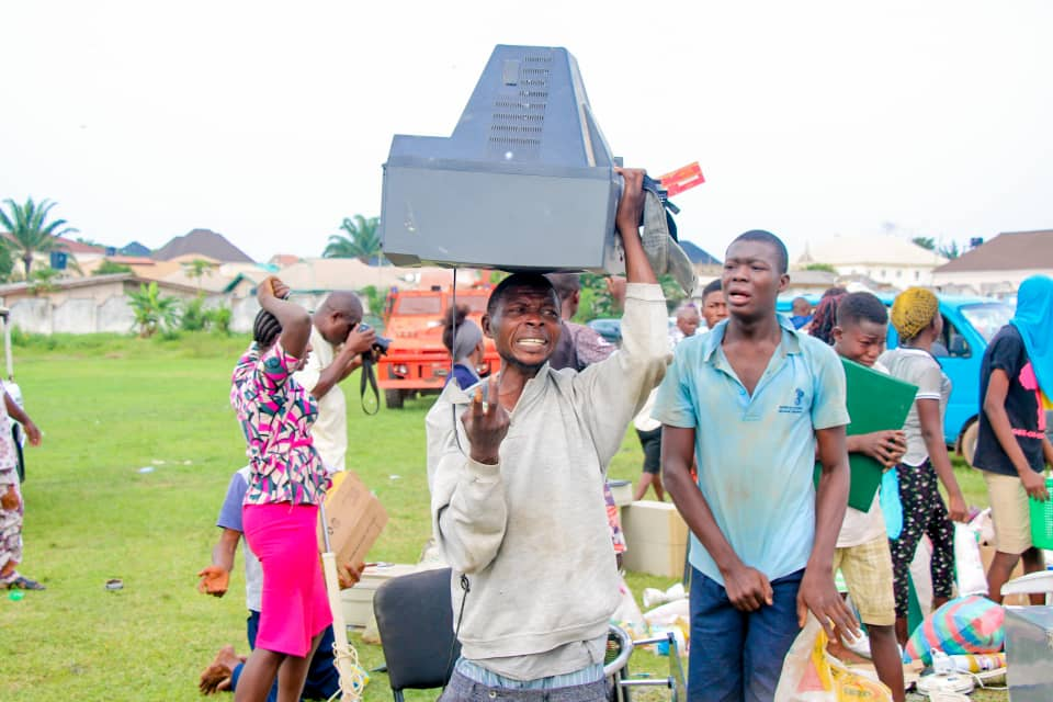 Security Operatives Parade Looters In Osun (Photos) 5