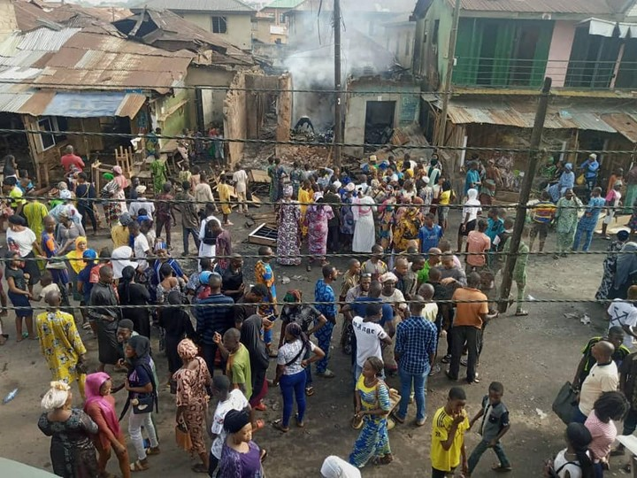 Hoodlums Attack Ologede Market In Oyo, Loot And Set Shops Ablaze 1