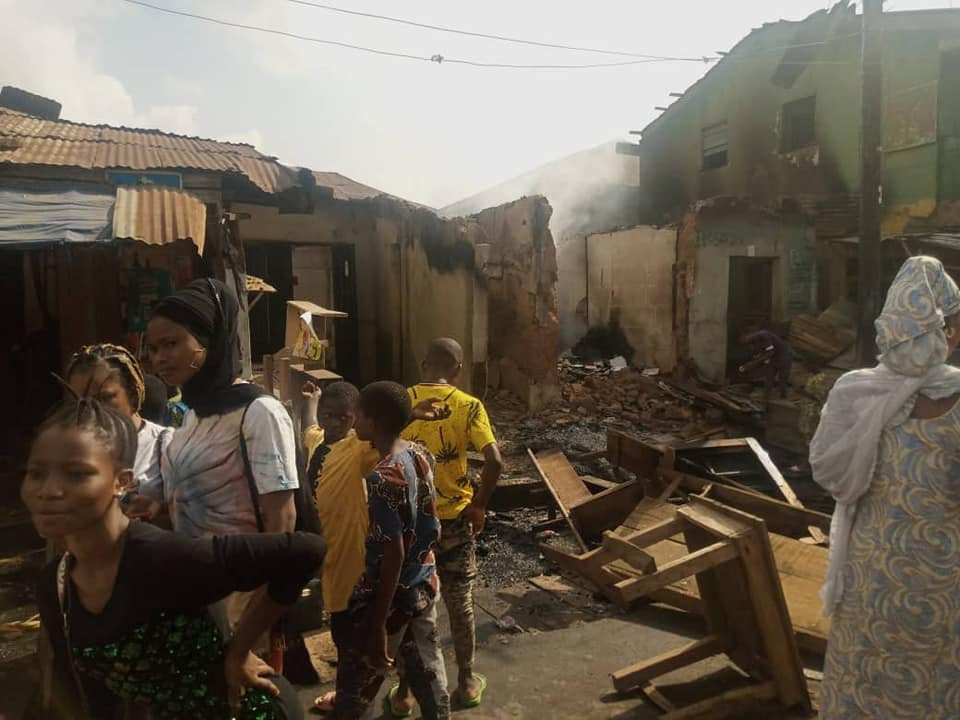 Hoodlums Attack Ologede Market In Oyo, Loot And Set Shops Ablaze 2