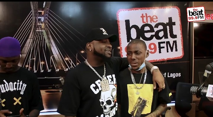 Davido Walks In To Surprise His Fan At Beat FM (Video) 2