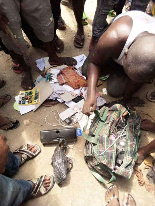 Edo Pastor Caught With Female Pants, Laminated Pictures Of Girls In Bayelsa 2