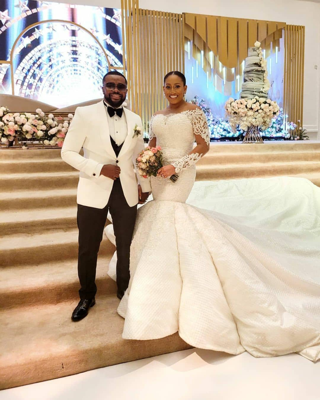 nollywood - Williams Uchemba And Wife Dancing At Their Wedding As He Sprays Her Money 12722669_lindaikejiblogofficial1605989873244754290705526388112244200299_jpeg7db1bb01ff8607f0d743e07897bb1b65