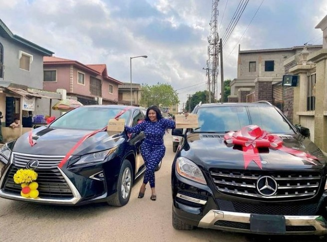 Biodun Okeowo Buys A Car, Gets Another As Gift 12983492_screenshot20210113161055_jpeg26f16c28e61479f17ebd596aa976e1a1