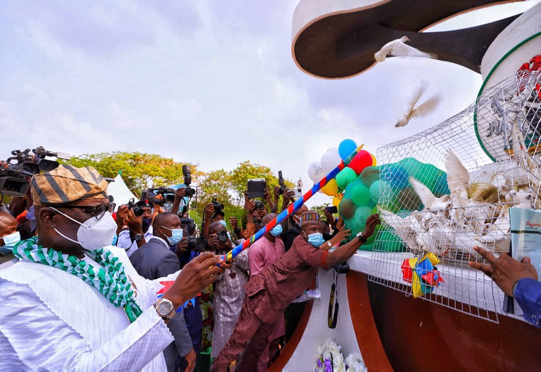 Armed Forces Remembrance Day: Sanwo-olu Lays Wreath To Honor Fallen Heroes  - Politics - Nigeria