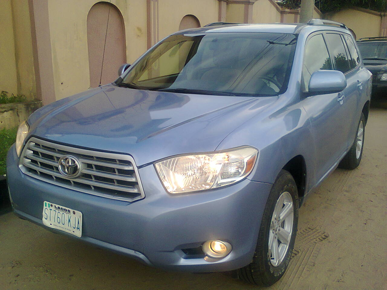 2008 toyota highlander registered for sale super clean and cheap autos nigeria. Black Bedroom Furniture Sets. Home Design Ideas