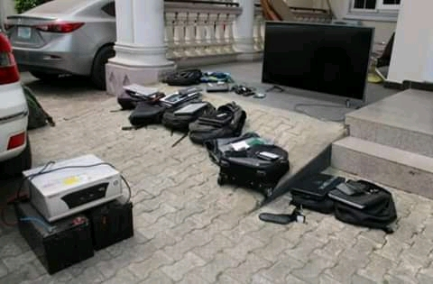 EFCC Parades 18 Suspected Fraudsters, including a Medical Doctor In Owerri