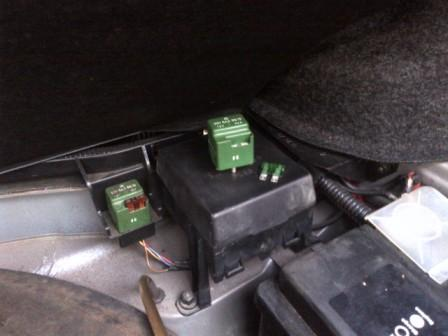 Fuel Pump Relay Jpg C E B A Cd Aff F E E F on Mercedes Benz Chassis Number Location