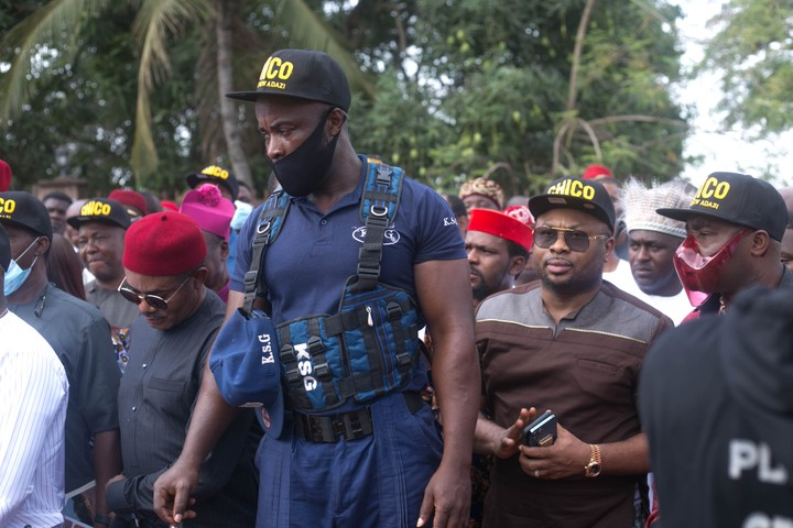 Churchill Joins Anambra Bigwigs, Kings Makers At Commissioning Of 11km Road Project 13379267_img2305_jpeg56f6824ee463b3dc31834eb7d201ffdf